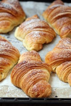 Goal - Italian Pastries Pastas and Cheeses Gourmet Recipes, Baking Recipes, Sweet Recipes, Italian Pastries, Bread And Pastries, Homemade Croissants, Croissant Recipe, Puff Pastry Recipes, Best Italian Recipes
