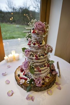 cool 62 Amazing Winter Wedding Cakes You Will Totally Love  https://viscawedding.com/2017/10/12/62-amazing-winter-wedding-cakes-will-totally-love/