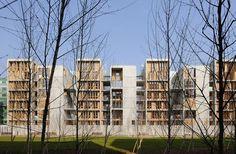 Lyon Confluence Lyon (69) / Projet nommé au prix de l'Equerre d'Argent 2010 Programme : 39 logements et 4 ateliers Surface : 4 426 m² SHON - 1 400 €/m² SHON Montant des travaux : 6 005 128 €HT Maître d'ouvrage : Bouwfonds Marignan: