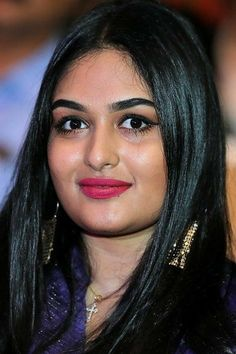 Beautiful Bollywood Actress, Most Beautiful Indian Actress, Indian Film Actress, Indian Actresses, Prayaga Martin, Desi Girl Image, Samantha Pics, Top Celebrities, India Beauty