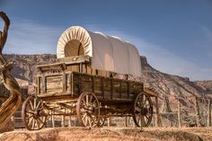 To the West Old Wagons, Covered Wagon, Chuck Wagon, American Frontier, Horse Drawn, The Old Days, Le Far West, Country Art, House On Wheels