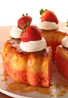 Strawberry Flan Cake- This strawberry flan is a heartbreaker. Share it without a doubt and you will see how everyone will be charmed and fall in love with its delicious flavor.