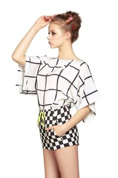 White Black Plaid Batwing Sleeve Top With Shorts pictures