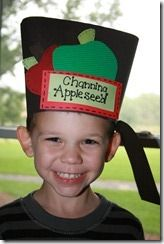 Apple activities for the classroom along with freebies that are purely apple-licious! You'll find cute Johnny Appleseed, science, crafts, poems and printables to complete your apple theme lesson plans. Preschool Apple Theme, Apple Activities, Fall Preschool, Preschool Classroom, Kindergarten Activities, Classroom Activities, Kindergarten Apples, Classroom Ideas, Preschool Apples