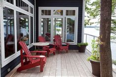 Muskoka Cottage, Bunkhouse patio