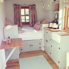 Small home interior design: the best tiny house,cozy interior. Shed To Tiny House, Best Tiny House, Tiny House Living, Tiny House Design, Cozy House, Bus Living, Living Rooms, Tiny House Bedroom, Bedroom Small