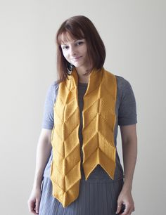 Yabane Scarf pattern by Olga Buraya-Kefelian #origami #pleated #folds