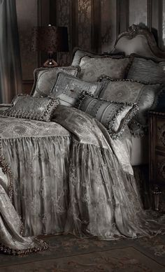 ♅ Dove Gray Home Decor ♅   gorgeous grey bed linens