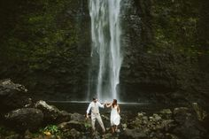 Kauai Hawaii Hanakapiai waterfall adventure elopement - Photo by Jacilyn M  www.jacilynm.com
