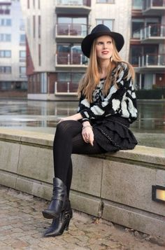Outfit, eatfashioneveryday, modemusthaves hat, supertrash, all black, style, fashion