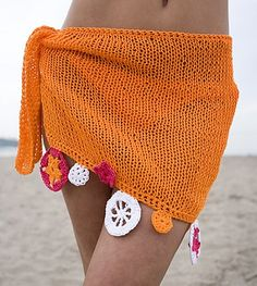 Fuente: http://www.ravelry.com/patterns/library/knitted-sarong-for-summer