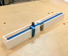 "I decided to upgrade my old ""temporary"" router fence with some better materials and improved functions. I find it useful for me to build a temporary. Woodworking Router Bits, Diy Router, Router Tool, Woodworking Workshop, Woodworking Bench, Woodworking Projects, Router Table Fence, Router Table Plans, Table Saw Fence"