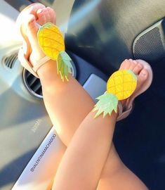 Pineapple sandals……Mack needs these - Parenting Baby Girl Fashion, Toddler Fashion, Kids Fashion, Little Babies, Cute Babies, Little Girls, Baby Girl Shoes, My Baby Girl, Baby Girl Sandals