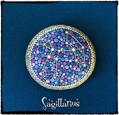 Signo zodiacal constelación piedras pintadas por ElspethMcLean, $35.00