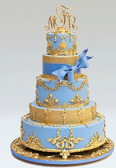 How decadent is this glitzy wedding cake from Ron Ben-Israel Cakes?