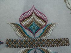 Elsa, Cross Stitch, Straight Stitch, Crochet Carpet, Bargello Patterns, Hardanger Embroidery, Punto De Cruz, Dots, Canvas