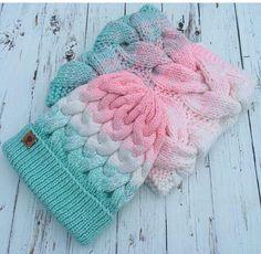 This yarn is amazing Loom Knitting, Baby Knitting, Knitting Patterns, Crochet Patterns, Crochet Baby Beanie, Knit Crochet, Crochet Hats, Snood Pattern, Diy Crafts Crochet