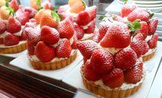 Strawberry!! | Fruit parlor KAJITSUEN at Tokyo station, Japan | 果実園 #sweets
