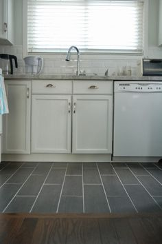 New kitchen floor tile transition cabinets Ideas Vinyl Flooring Kitchen, Slate Flooring, Hardwood Floors, Flooring Ideas, Flooring 101, Floors Kitchen, Dark Hardwood, Stone Kitchen, New Kitchen