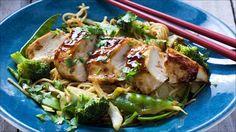 Kinesisk kylling med nudler Tasty, Yummy Food, Asian Recipes, Poultry, Pork, Chicken, Meat, Dinner, Addiction