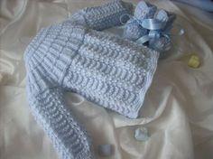 Un tricot conformément à un modèle tricot brassiere bébé laine n'est pas vraiment compliqué dès que vous avez assimilé les fondamentaux du tricot. Cela réclame du temps et aussi d'être tenace afin d'arriver à un tricot brassiere bébé laine qui sera identique à votre voeux initial.