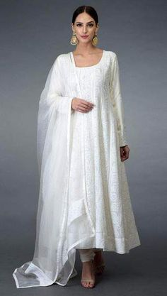 Trajes Anarkali, Robe Anarkali, Costumes Anarkali, White Anarkali, Lehenga Choli, Anarkali Suits, Sharara Suit, White Salwar Suit, Anarkali Dress Pattern