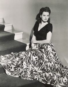 Hot Actresses, Hollywood Actresses, Old Hollywood, Maureen O'hara, Iconic Women, Celebs, Celebrities, Classic Beauty, Real Women