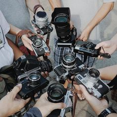 Here's another photographer meet-up this time submitted by @jojofirst. Such an awesome selection of cameras. Top marks to whoever can name each specific model! Hope you're all having a great weekend. #cameracult #leicam #leica #pentax #hasselblad #nikon #35mmfilm #mediumformat #filmcamera #cameraporn #streetphotography #slr #rangefinder #analog #shootfilm #filmisnotdead