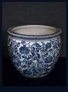 Chinese Vintage Finish Blue White Porcelain Dragons Round