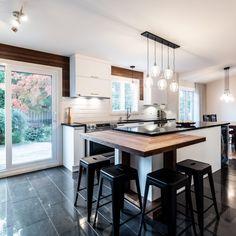 049 - Simard Cuisine et Salle de bains Cottage Interiors, Kitchen Design, Living Spaces, Sweet Home, House, Bar, Kitchens, Isabelle, Table