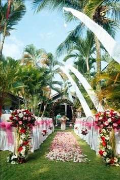 Marry me in bali flowers designed for kichul sujis wedding marry me in bali flowers designed for patty ricks show your love nurserybali indonesiawedding decorationsmarry junglespirit Image collections
