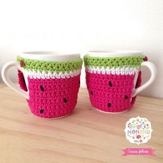 Crochet christmas patterns mug cozy 44 Ideas Crochet Mask, Crochet Baby Hats, Crochet Gifts, Crochet Doilies, Crochet Coffee Cozy, Crochet Cozy, Easy Crochet, Christmas Crochet Patterns, Crochet Christmas