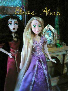 Rapunzel in the Tower with Gothel   por Elros Alvar