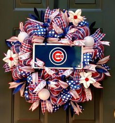 Cubs Baseball wreath from ETSY, ChanceyCreations Wreaths For Sale, Wreaths For Front Door, How To Make Wreaths, Door Wreaths, Baseball Wreaths, Sports Wreaths, Creative Gift Packaging, Creative Gifts, Pro Baseball