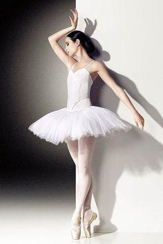 Amber Scott. Photography Georges Antoni. Australian Ballet