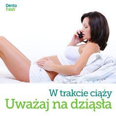 W okresie ciąży dochodzi do zwiększonego przepływu krwi w dziąsłach a zamiany hormonalne mogą sprawić, że dziąsła staną się wrażliwsze na płytkę nazębną. #dentofresh #dobrarada