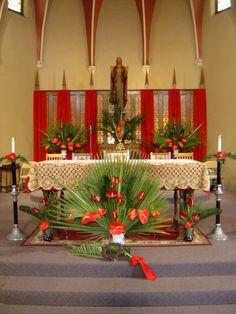 Decorating an Altar for Palm/Passion Sunday Wedding Altar Decorations, Church Christmas Decorations, Love Decorations, Christmas Flowers, Holiday Decor, Wedding Altars, Diwali Decorations, Altar Flowers, Church Flower Arrangements