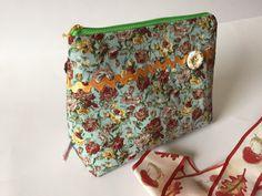 Kosmetiktasche Kosmetikbeutel Make up Tasche grün Rosen Geschenk von madameLotta auf Etsy