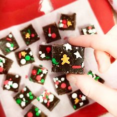 This fun, festive treat is so easy to make, your children will love helping you prepare it ... and it's so delicious they will be grabbing a square before you can even take a pic! It tastes like a traditional piece of fudge, but it's packed with the healthiest ingredients, you won't even mind if they grab a second piece. #fudge #snack #kidfriendly #freezerfudge #chiaseeds #dates Good Healthy Snacks, Gingerbread Cookies, Fudge, Dates, Festive, Snack Recipes, Treats, Traditional, Children