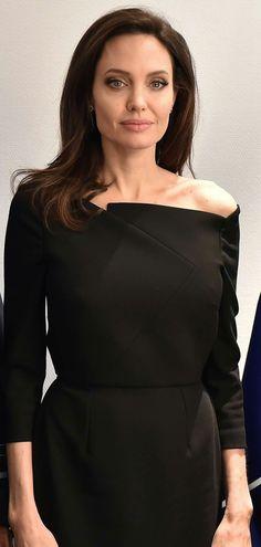#AngelinaJolie
