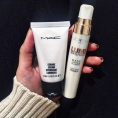 "MAC strobe cream and Loreal. One being a primer and the other a moisturizer. A dewy glowing look for ""STROBING""! Beauty Blogs, Beauty Hacks, Beauty Products, Makeup Products, Make Up Tutorials, Beauty Dupes, Beauty Makeup, Dewy Skin Makeup, Skincare Dupes"