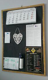 tablica organizer na ścianę Calendar Organization, Diy Organization, Family Organizer, Diy Organizer, Chalkboard, Bedroom Inspiration, School, Bujo, Kitchen