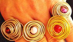 Δαχτυλίδια απο σύρμα αλπακά και ορείχαλκου με χάντρα σε διάφορα χρώματα!