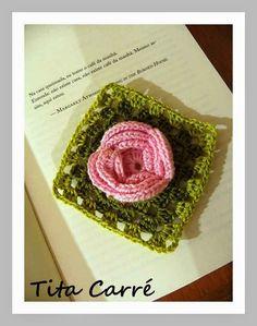 Tita Carré  Agulha e Tricot : Square Flor rosa Repolhuda e a Casa do Céu