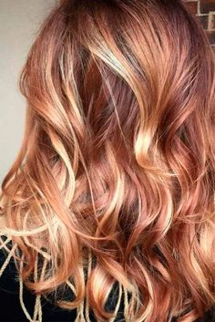 Ways to Make Your Caramel Hair Color Play for You ★