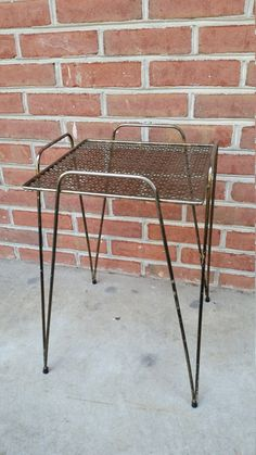 Vintage Hairpin leg Table Reticulated Metal Wire Shelf Plant Stand Gold Tone Book Rack Display Stand Shop Display
