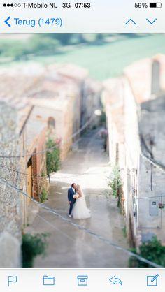 So much love in an alley behind Castell d'Emporda in La Bisbal (Girona, Spain)
