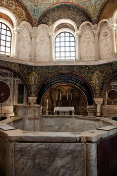 A comprehensive guide to the city of Ravenna in Italy and its 15 centuries old Byzantine mosaics. Find out what to do and see in the city. Ravenna Mosaics, Ravenna Italy, All About Italy, Medieval Fortress, Renaissance Artists, Byzantine Art, Visit Italy, Ancient Ruins, Romanesque