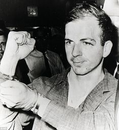 Lee Oswald, maintaining his Communist-cover until about 8 o 'clock in the evening of the 23rd.