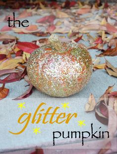 DIY Glitter Pumpkin  #halloween #pumpkin #arts #crafts #inspiration #diy